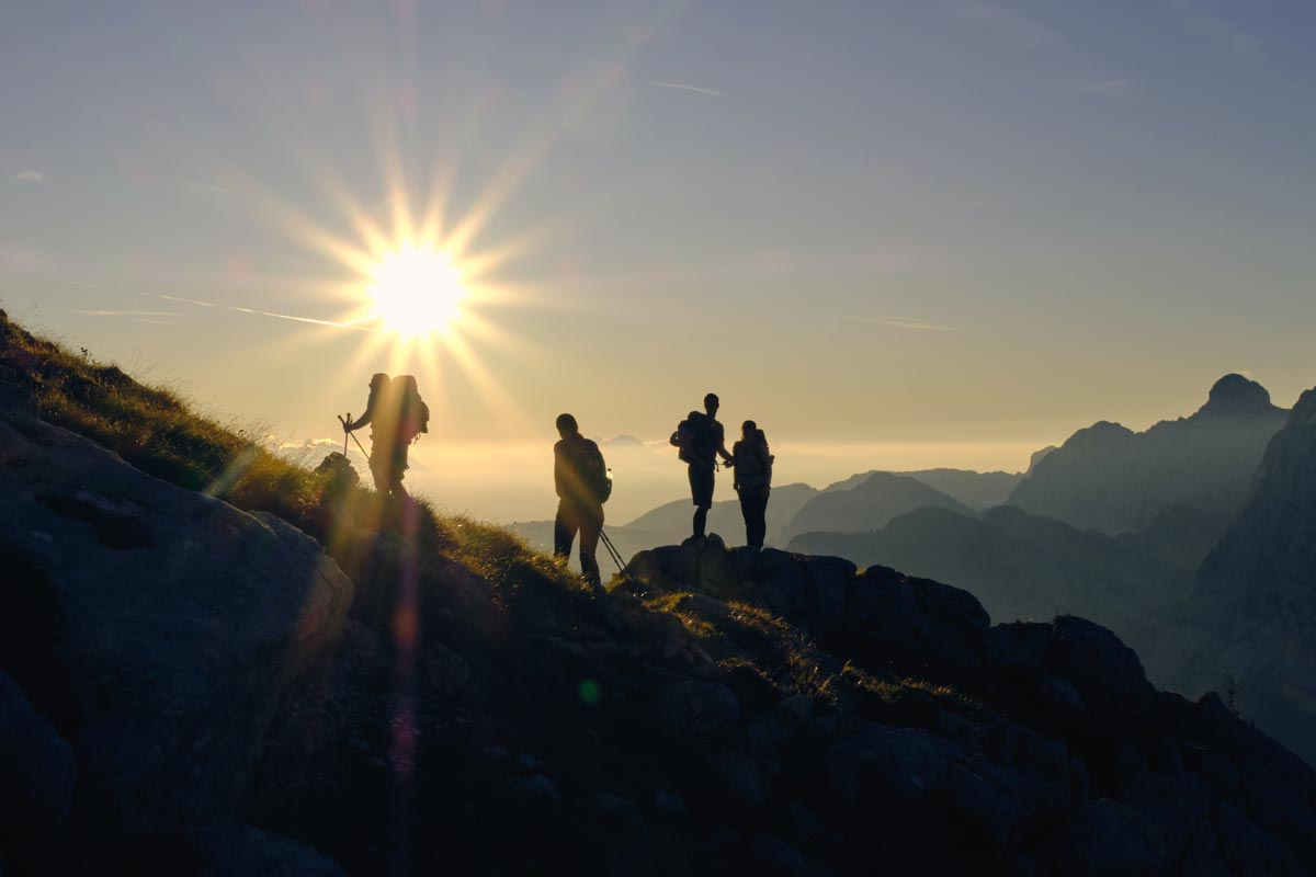 goodencenter-how-nature-benefits-mental-health-photo-of-a-group-on-top-of-a-mountain